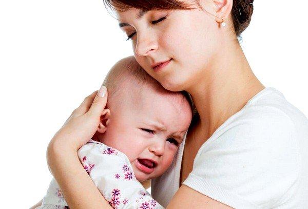 Часто кашель у новорожденных появляется из-за особенностей строения носовых проходов