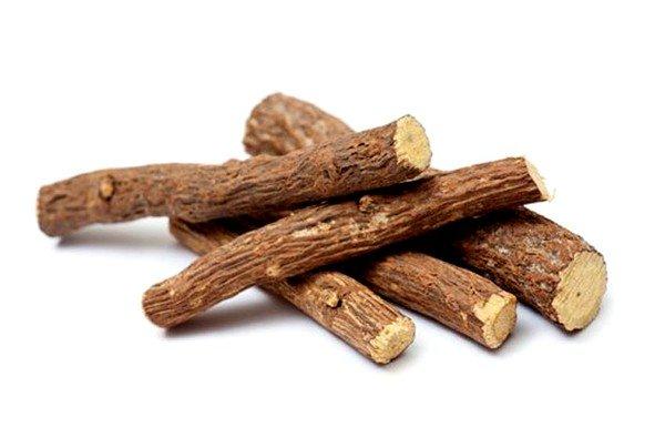 Корень солодки содержит большое количество активных компонентов