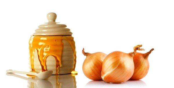Медово-луковый отвар также может применяться при кашле