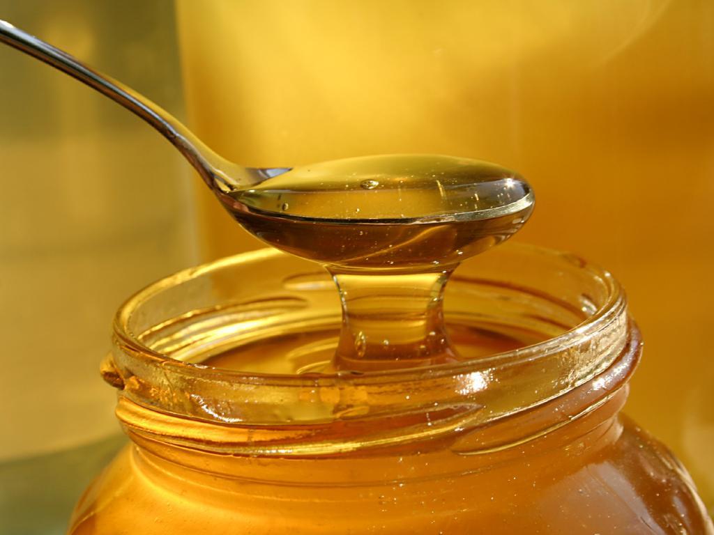 Мёд при лечении кашля у ребенка
