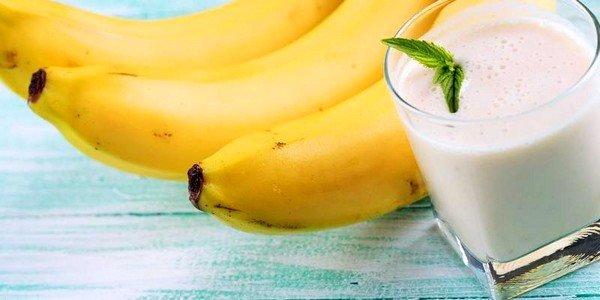 Банановое молоко может стать прекрасным средством, избавляющим от сухого кашля
