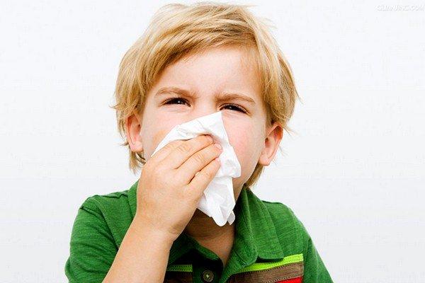 Кашель может сопровождаться и другими симптомами