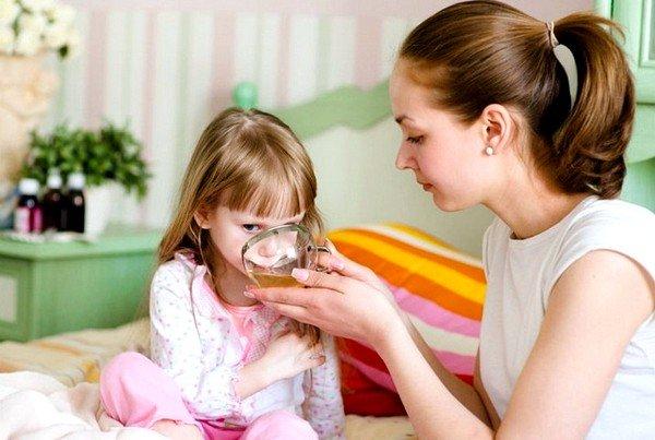 Ребенку надо как можно больше пить, так как это разжижает мокроту