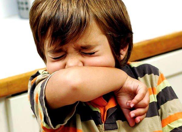 При возникновении нервного кашля у ребенка полностью отсутствуют иные признаки болезни