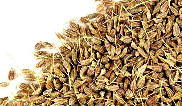Настой семян аниса с медом эффективен при сухом кашле