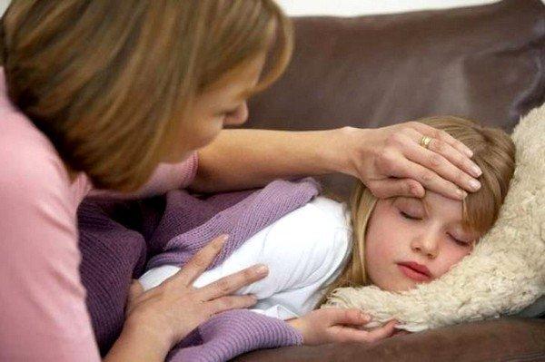Если у ребенка держится повышенная температура тела или присутствуют в анамнезе резкие температурные скачки, то необходимо воздержаться от йодной сетки