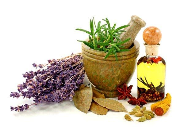 Рекомендуется чередование содовой ингаляции с водной ингаляцией с добавлением трав и эфирных масел
