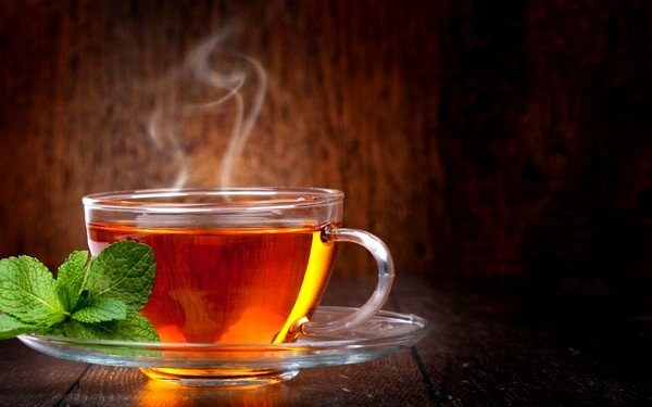 Теплый чай рекомендован также при простуде
