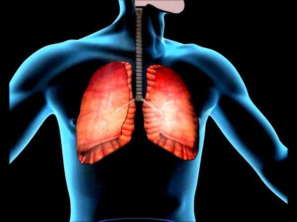 Заболевания нижних дыхательных путей могут вызвать боли в правом боку при кашле