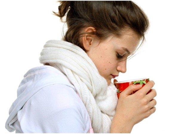 Справиться с кашлем помогает обильное питье