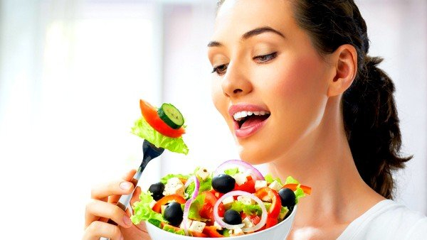 При ГЭРБ приём пищи ограничивается небольшими порциями по 4-5 раз в день