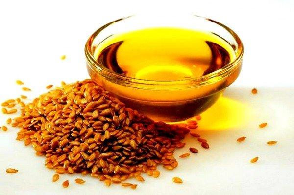 Ускорить процесс выведения токсических веществ из кишечника и прямой кишки помогут тыквенные семечки или льняное масло