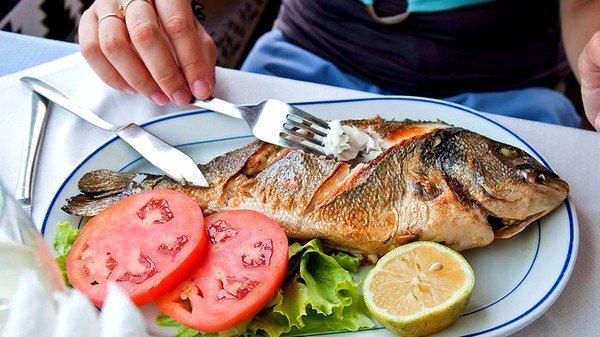 Широкий лентец у человека имеет всего лишь один путь для заражения – через употребление заражённой рыбы