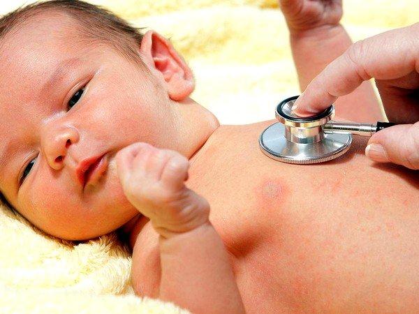 При лечении важно максимальное утепление тела грудничка