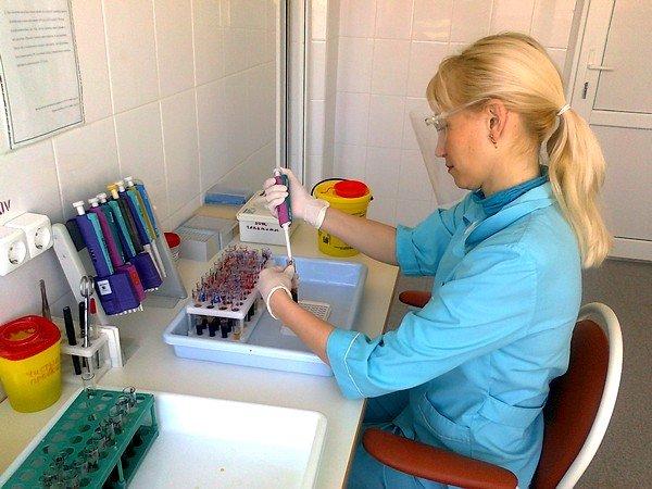 В случае заболевания трихоцефалезом у пациента наблюдается увеличение определенных белых клеток крови – эозинофилов