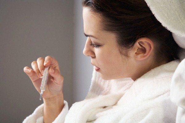 При острой форме заболевания может повыситься температура